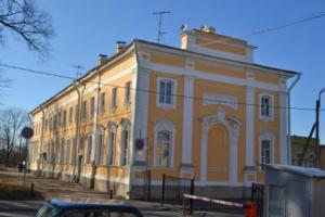 петродворцовый суд