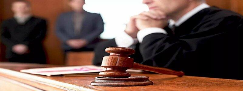 выиграть суд ответчику